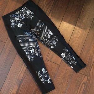 SO SOFT - floral compression leggings.